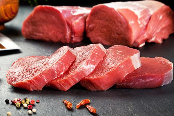 Để cải thiện tình trạng bệnh phong thấp nên cắt giảm khẩu phần thịt