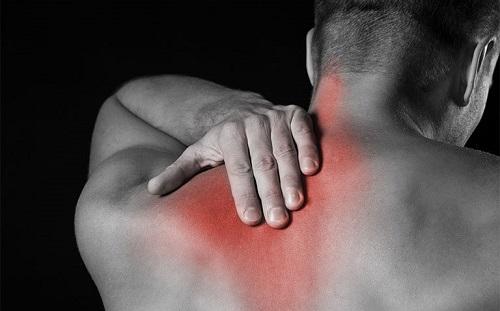 Có nhiều nguyên nhân gây đau lưng bên phải