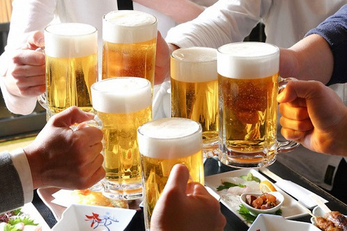 Mắc bệnh gan nhiễm mỡ nên tránh xa các chất kích thích như rượu bia