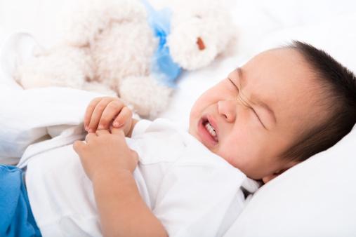 Với hệ tiêu hóa còn non nớt của bé, các mẹ nên cân nhắc để bổ sung men tiêu hóa
