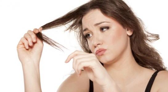 Bạn đang loay hoay với mái tóc yếu và dễ gãy rụng của mình