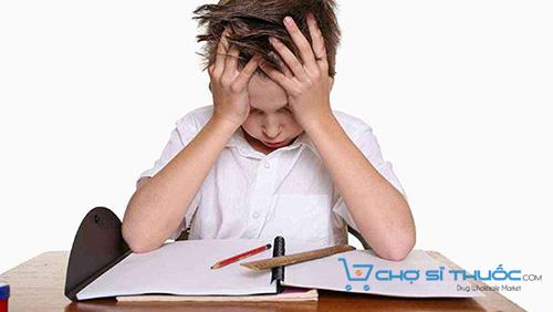 Trẻ suy bị giảm trí nhớ sa sút về học tập